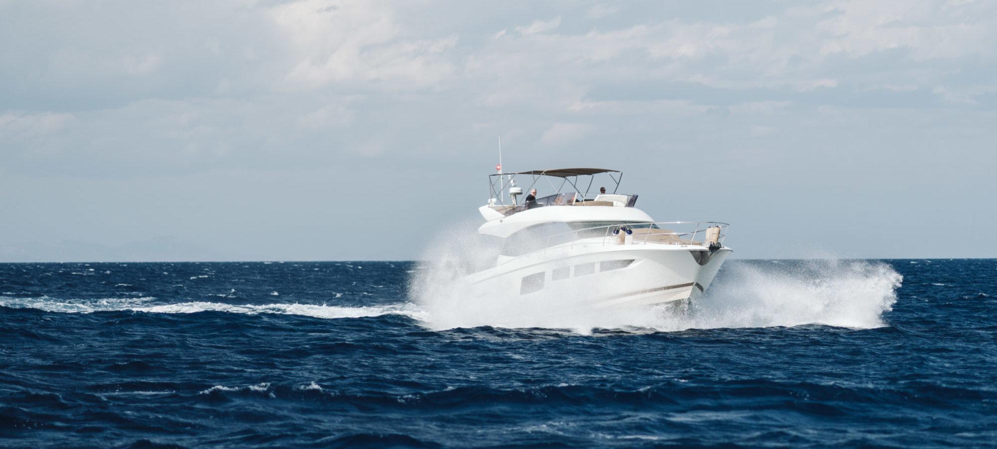 Kompetenz-Center Motoryachting und Yachtcharter